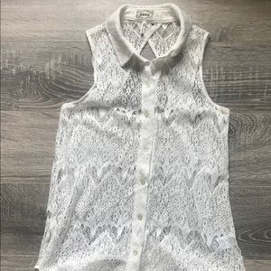 White laced button tank top